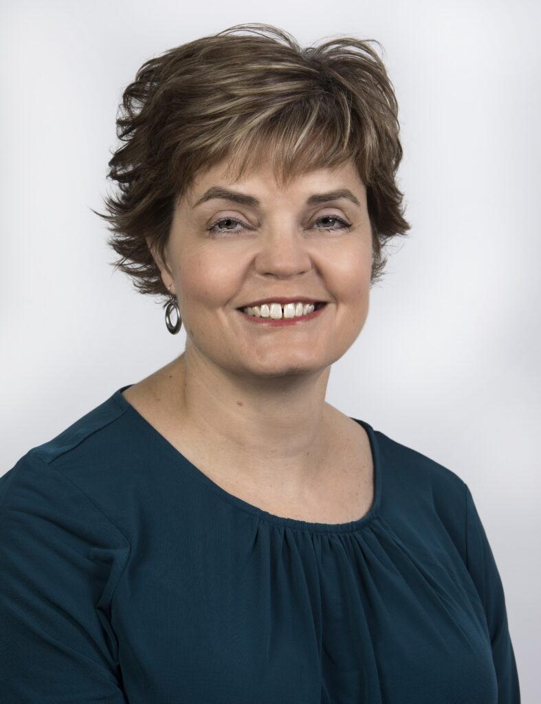 Stephanie Billes, Founder Dragonfly Career